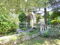 Image for Comme une maison… avec un grand jardin.
