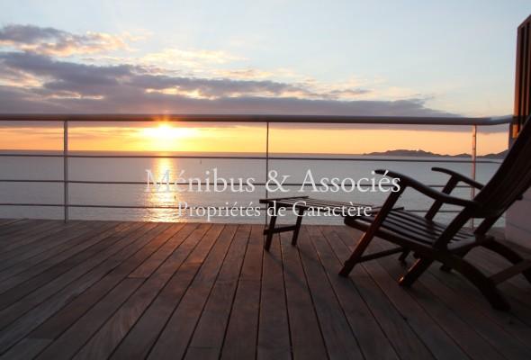Photo de : Maison avec sublime vue mer