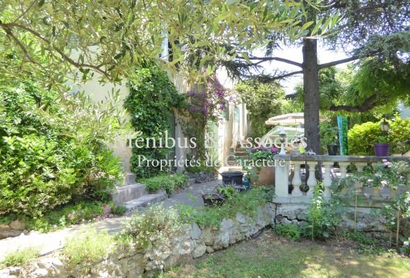 Photo de : Comme une maison… avec un grand jardin.
